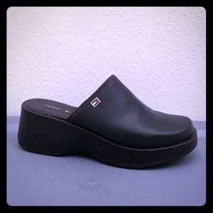 "Tommy Hilfiger solid brown clogs 2"" size 7M"